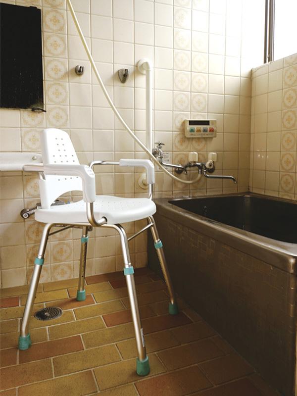 ハイスツールで入浴移乗