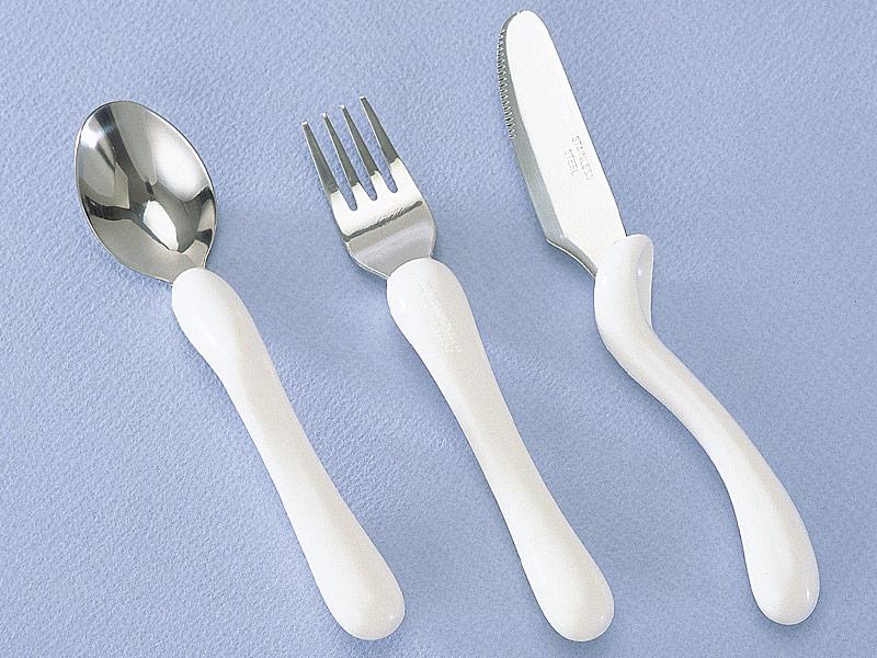 子供も持ちやすいスプーン、フォーク、ナイフ