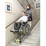 車いすごと載せられる階段避難車
